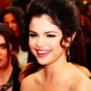 Selena Gomez (@22Selenator_) Twitter