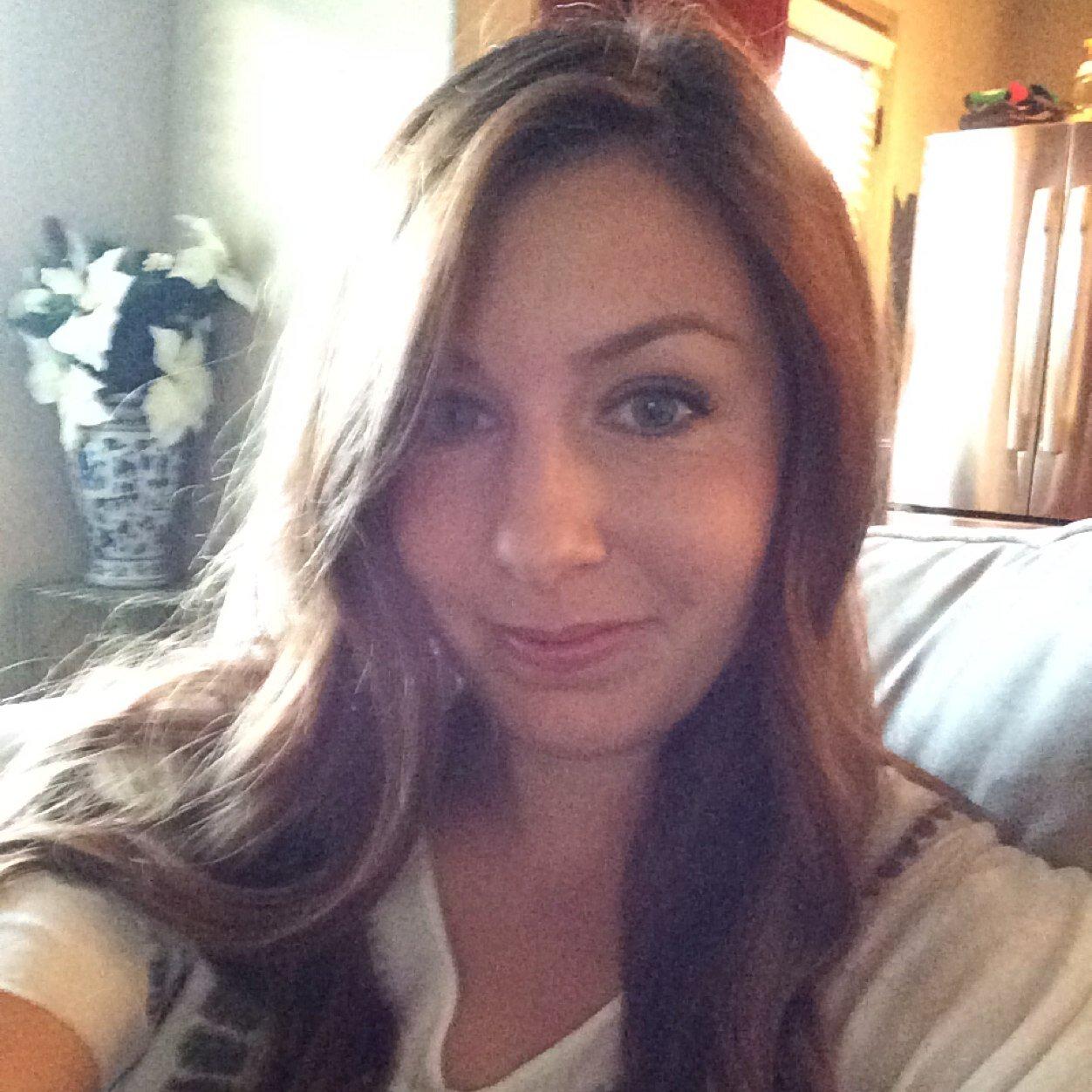Amy Reid Amybentonreid  Twitter-8592