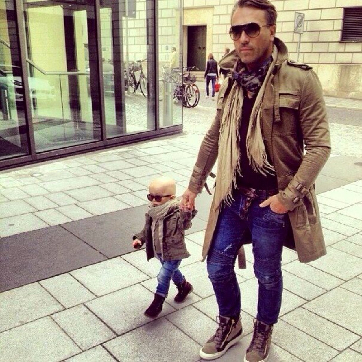 25bf5bb9 Adorable Matching Father / Son Outfits - Rainy Day | Kelly Rowland