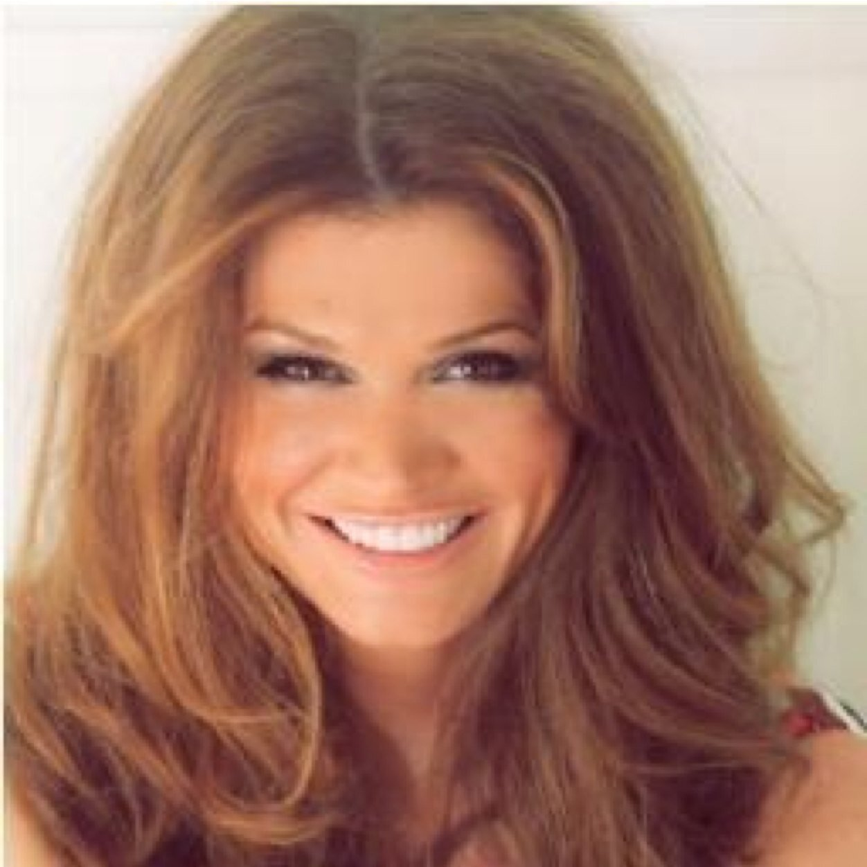 Lynette Carolla