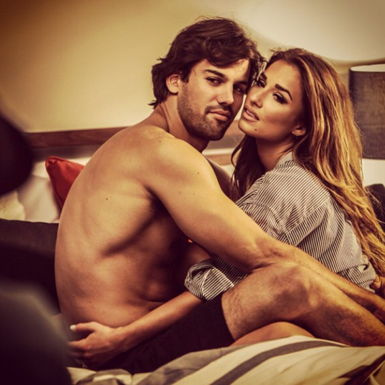 Jessie James Decker Wouldn t Care If Her Naked Selfies Surfaced Online