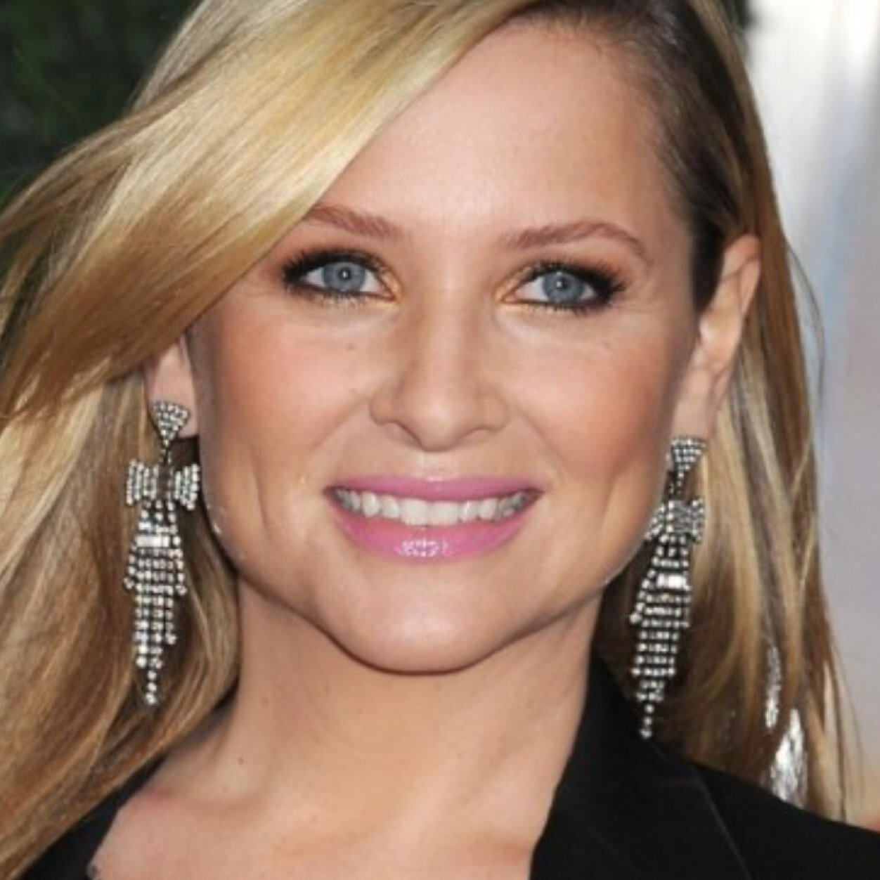 jessica capshaw facebook official