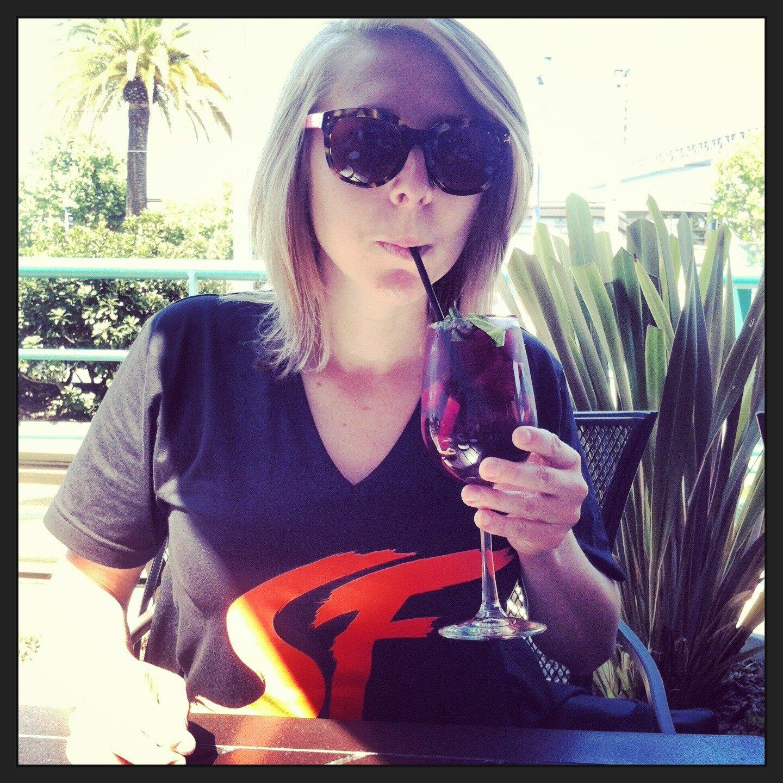 Kelly Davis: Kelly Davis (@DavisIndafog)