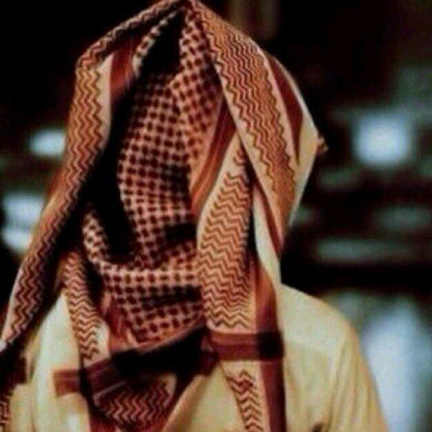 Uzivatel بدوي كفو Na Twitteru شوفو اللي لابس شماغ احمر Http T Co Qht4br7ejd هههههههههههه قتلني