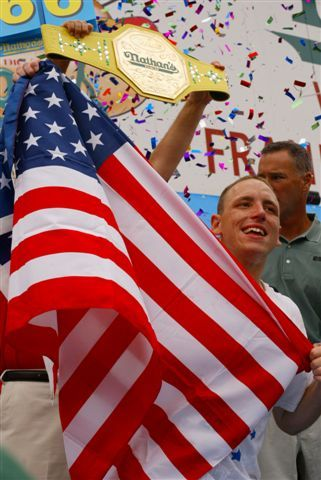 Joey Chestnut (@joeyjaws )