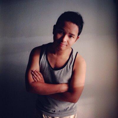 Song thai gay Vachirawit Chivaaree