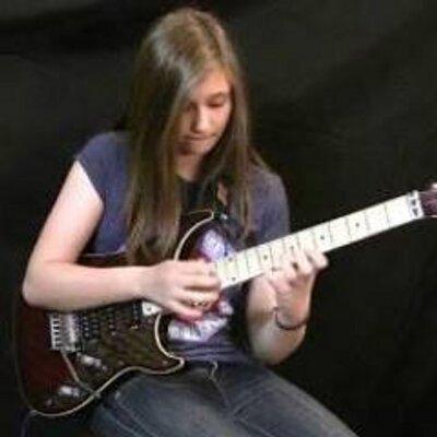 Kord Gitar Lagu Derita