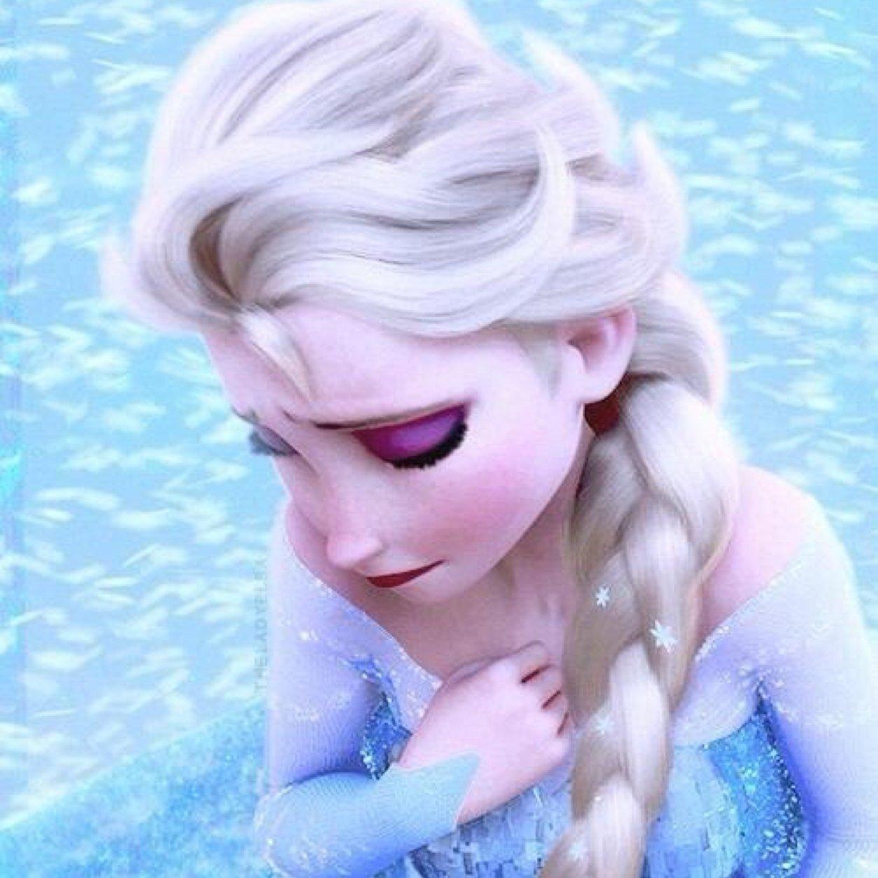 吹雪の中で苦しむエルサ
