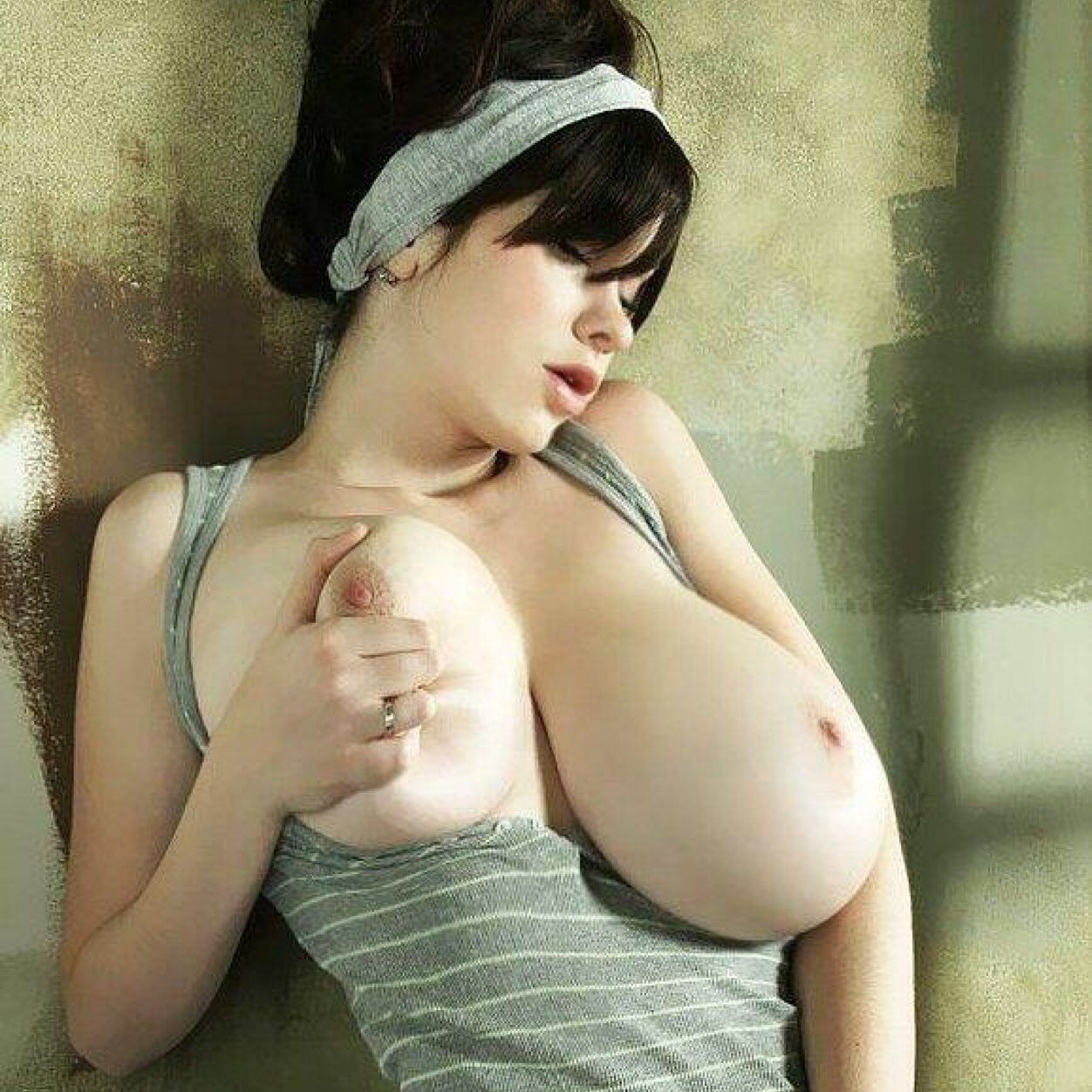 Perfect huge tits pictures