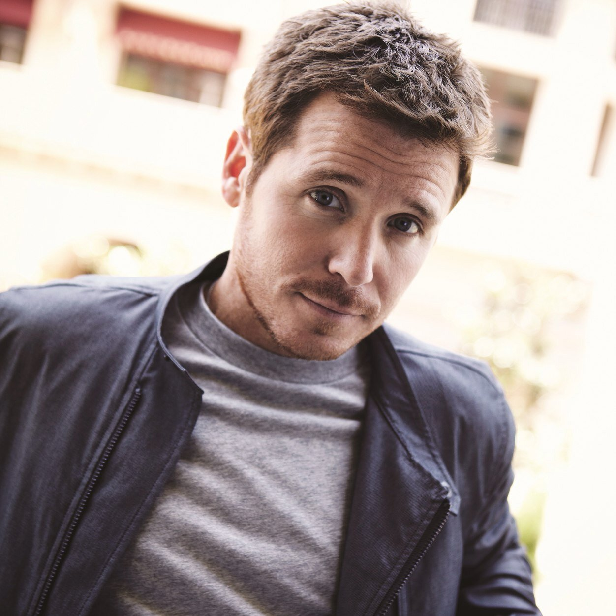 Kevin Connolly earned a  million dollar salary, leaving the net worth at 15 million in 2017