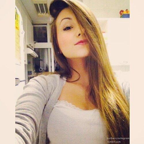 Isadora Santos Profiles  Facebook