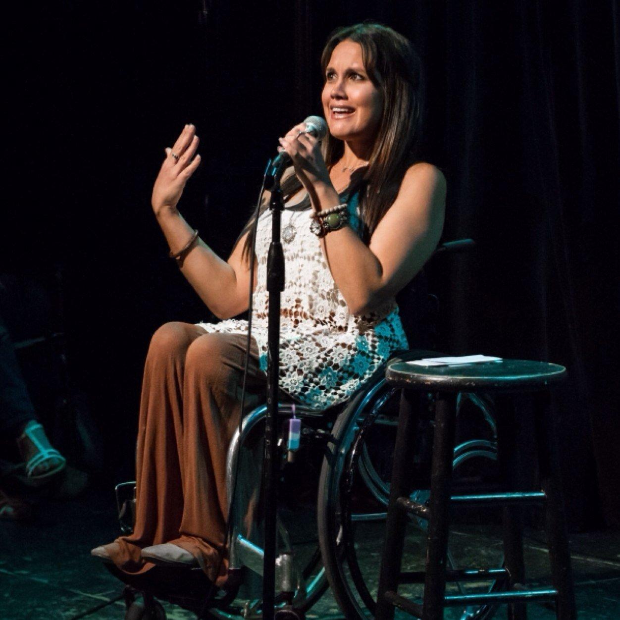 Santina Muha a High Rollers founder - YouTube