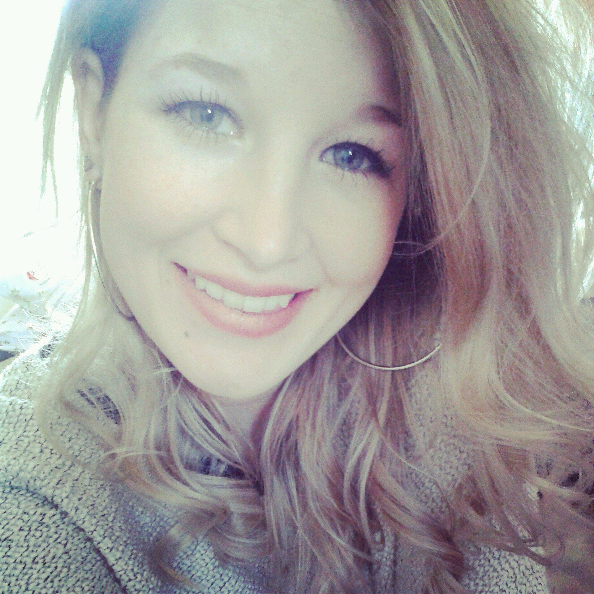 Twitter Laura Simpson