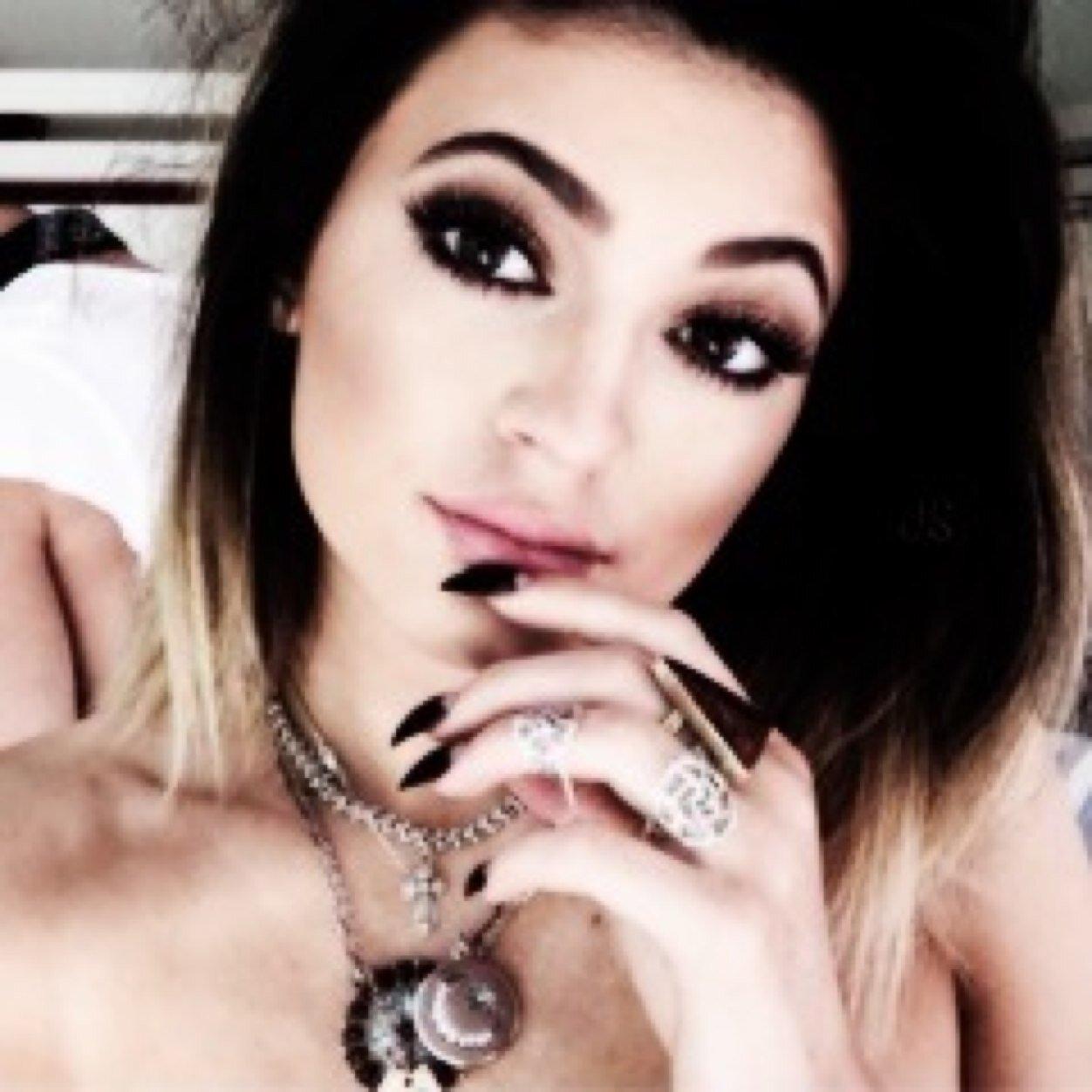 @KardashiansArmy