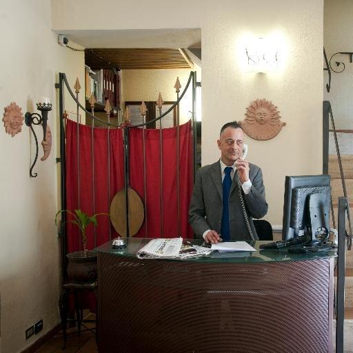 Slogan Hotel In Italiano