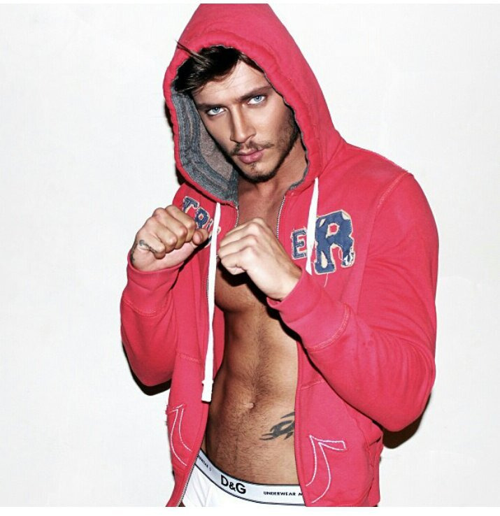 A male filipino model jerks off hot free 4