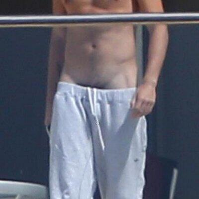 Top nude ass