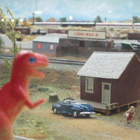 @DinosaurTom