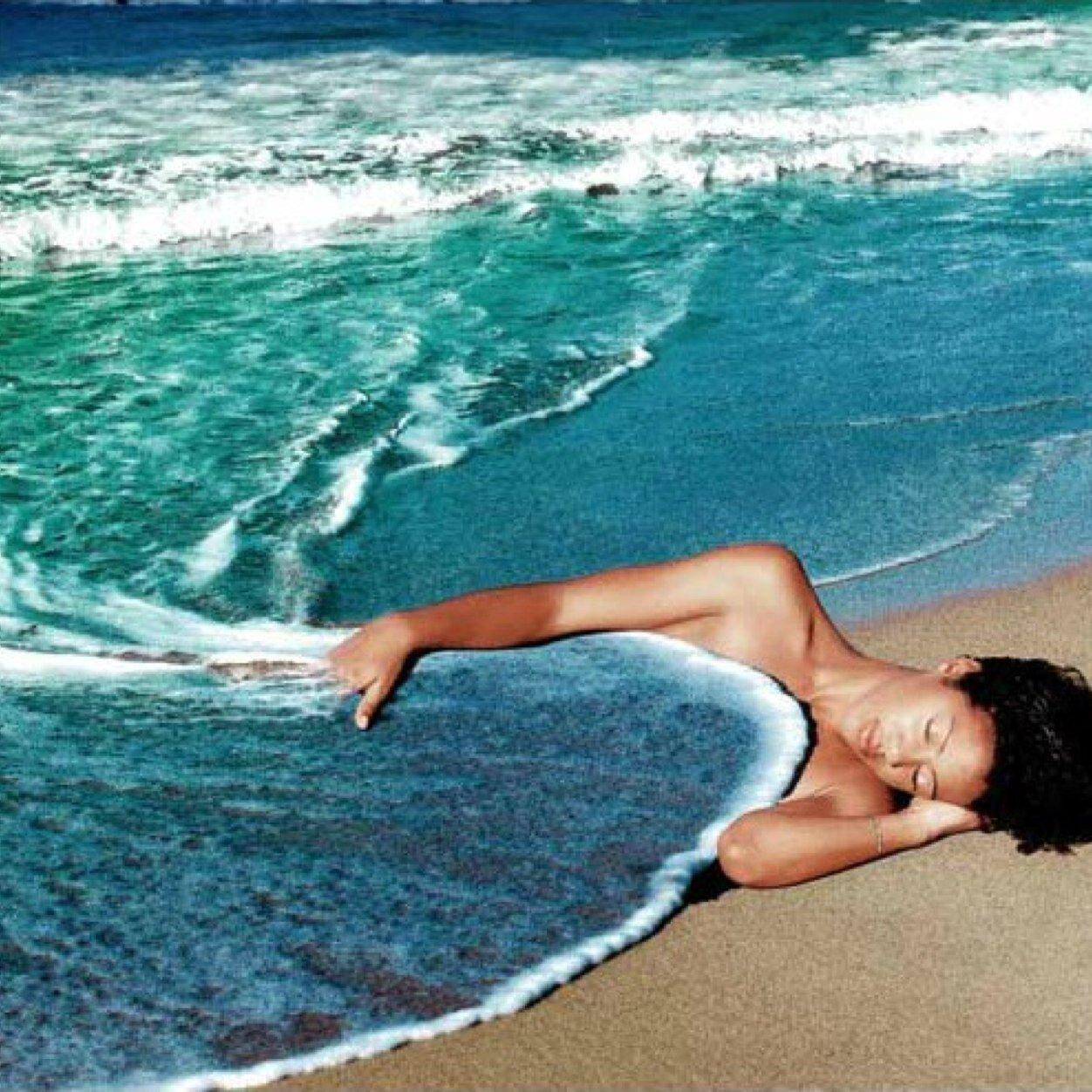 Картинки лежа на берегу океана прикольные