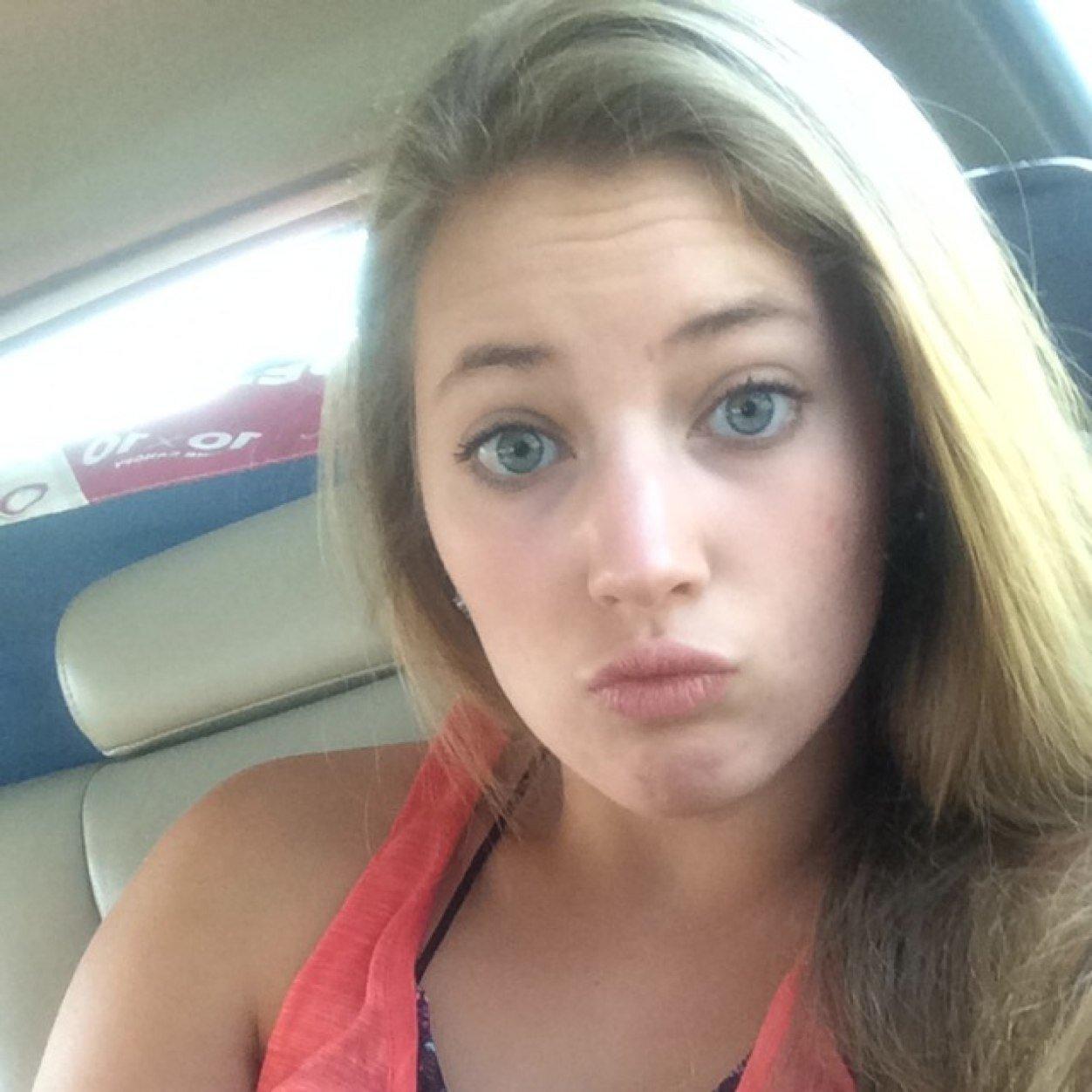Twitter Riley Reid