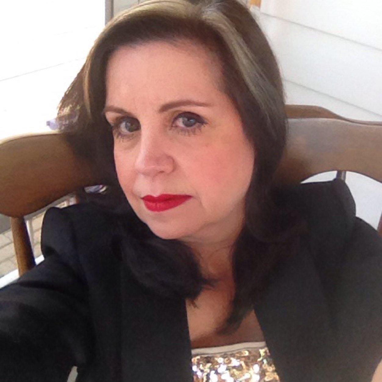Susan Smiel Sesmiel Twitter Перевод слова smile, американское и британское произношение, транскрипция, словосочетания, однокоренные слова, примеры использования. susan smiel sesmiel twitter