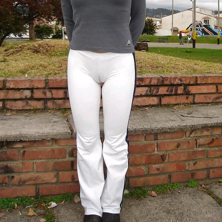 sexy-amateur-girl-cameltoe