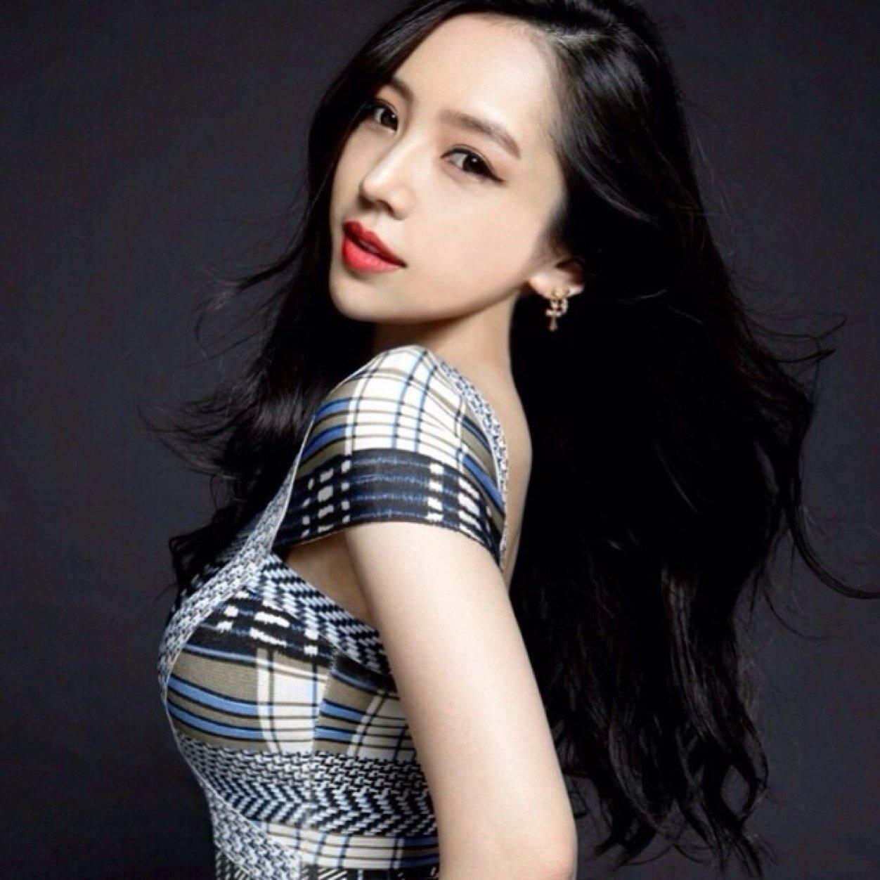 Taiwanese Fashion Models