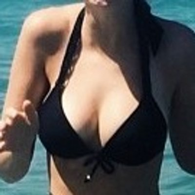 zoella boobs
