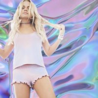 not alli simpson | Social Profile