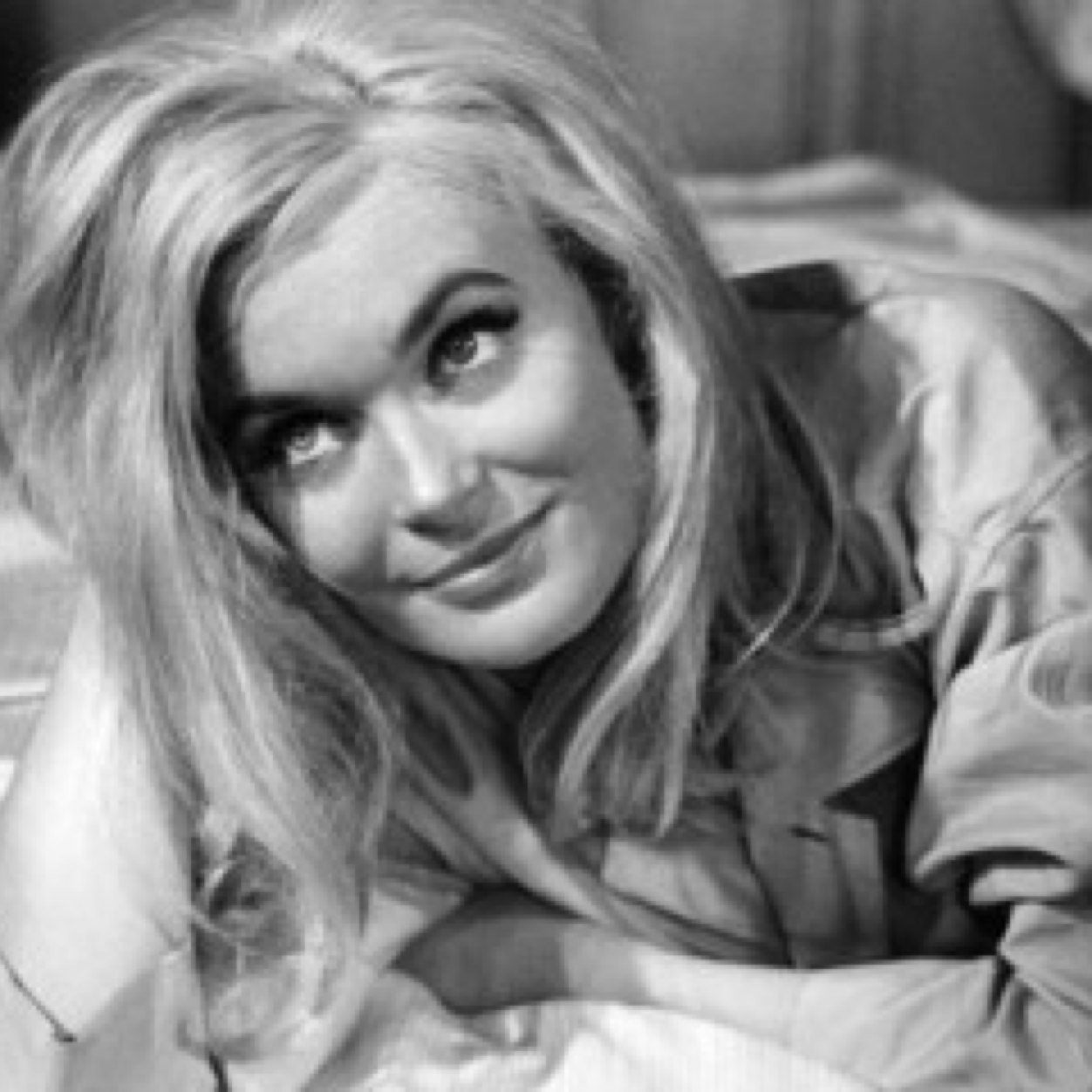Watch Shirley Eaton (born 1937) video