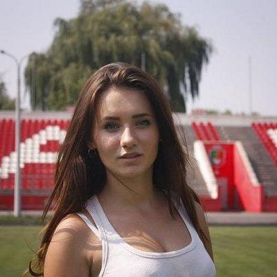 Эмма миллер девушка за работой фильм работать
