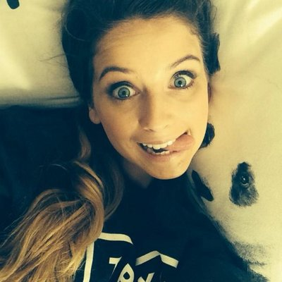 Zoe Sugg On Twitter I M Not Afraid To Smell My Own Feet
