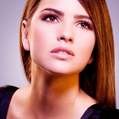 shelley hennig vk