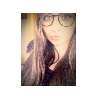 Pequeña17 (@Gloryyy06) Twitter profile photo