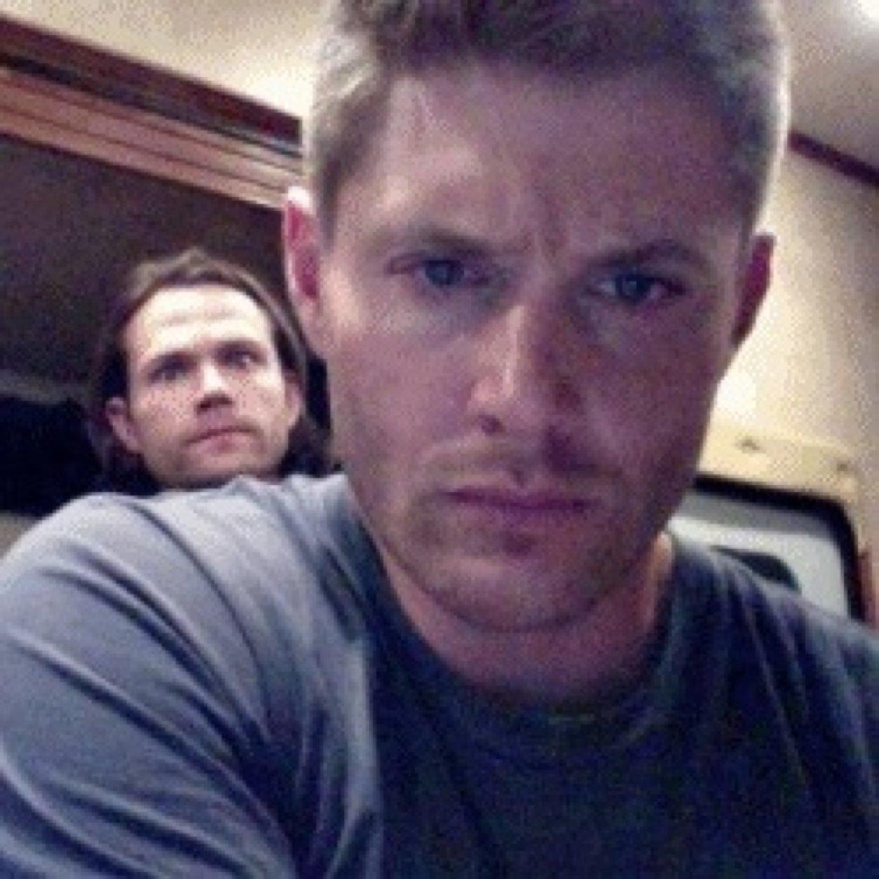 Jensen Ackles (@confus...