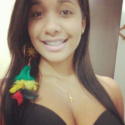 52d29fe8c Thais Ribeiro ( thatha smile)