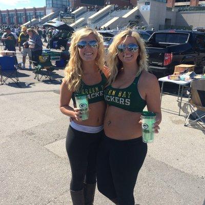 big-female-bikini-girls-green-bay-packers-india