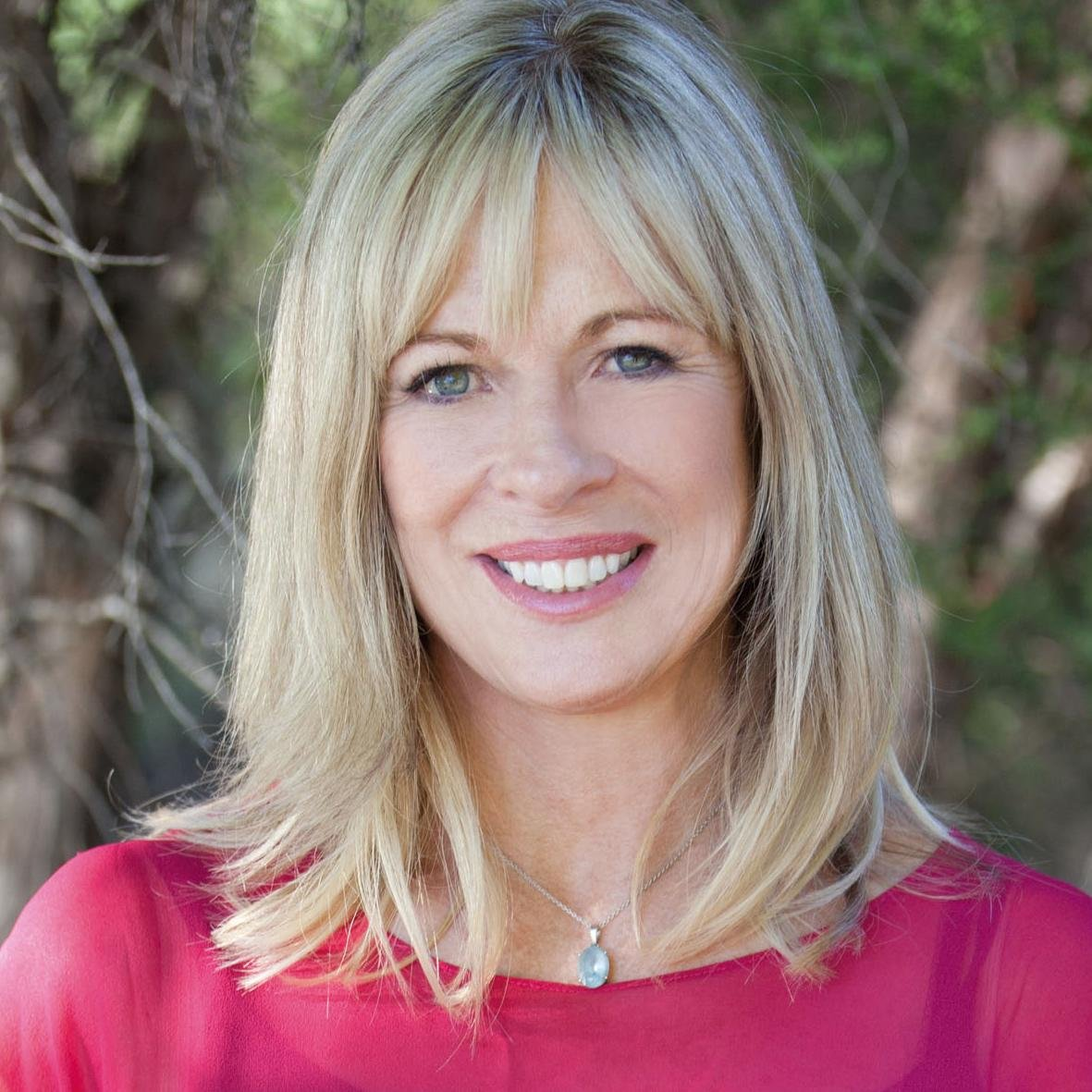 Annabel Langbein Social Profile