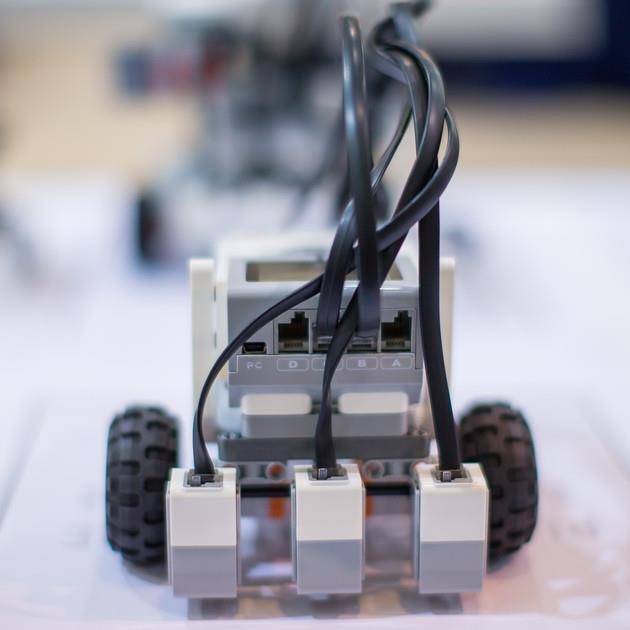 GO ROBOT Qatar (@RoboticsQatar)