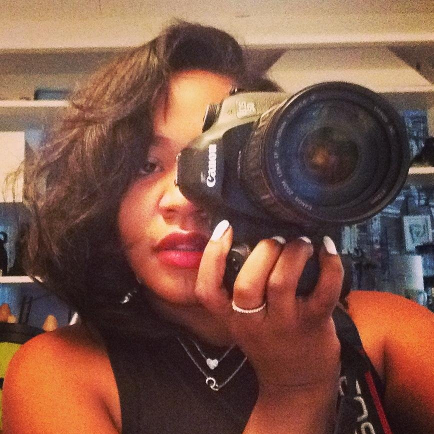 Lady Videographer (@DsEyeZ)