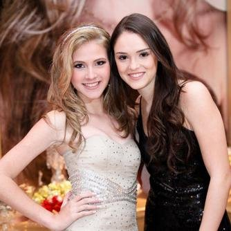 Isabelle Drummond Social Profile