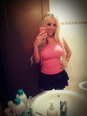 Fesser blondie teamskeet