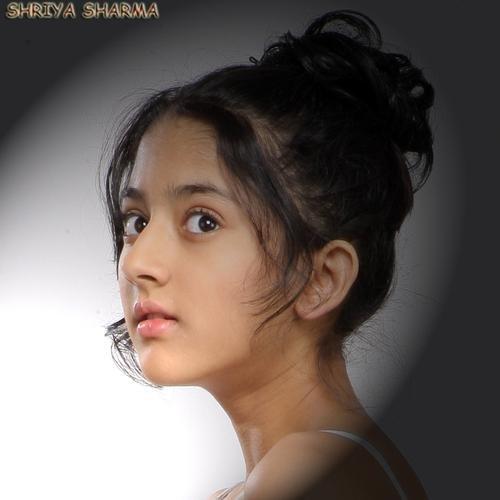 shriya sharma navel