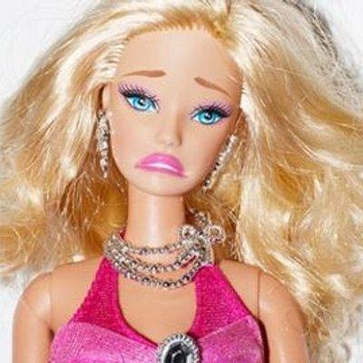 Resultado de imagem para barbie falsa feia