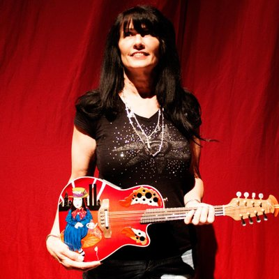 Traci Loving On Twitter Famous Strings Authentic Joe Perry Guitar
