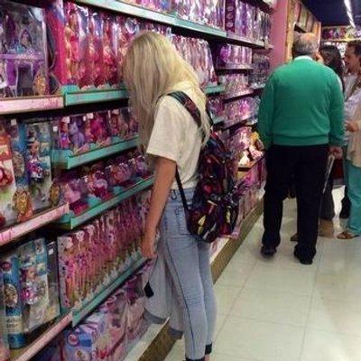 девушки с игрушками фото