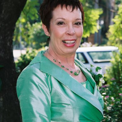 Janet Burling (@JanetBurling) Twitter profile photo