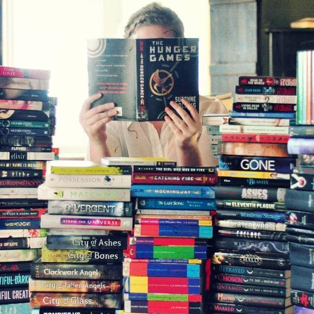 Resultado de imagen para cargada de libros