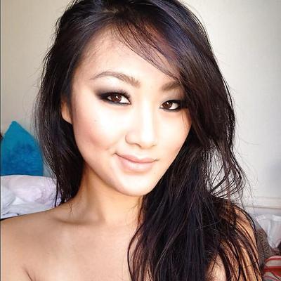 Lin selfie evelyn