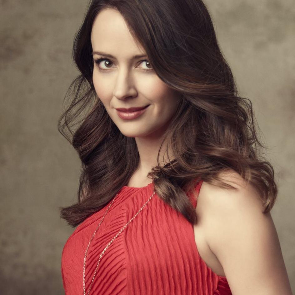 Amy Acker Daily